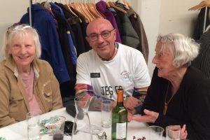 Som bordvært var Besher Wattar med til at sørge for, at samtalen gik godt, og det lykkedes ganske fint for den 66-årige herre.